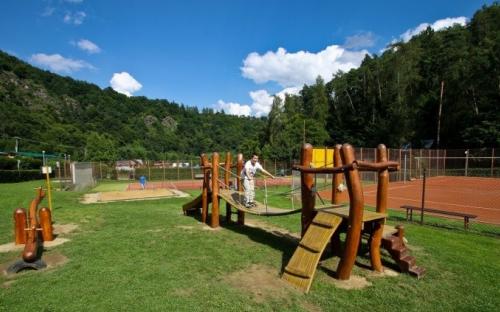 Chatová osada Bítov - dětské hřiště