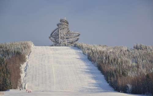 Szlak na niebie na stoku narciarskim, Ski Dolní Morava