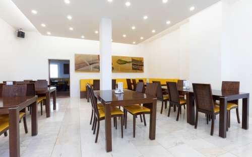 Restaurant and dining room in the hotel Kamzík