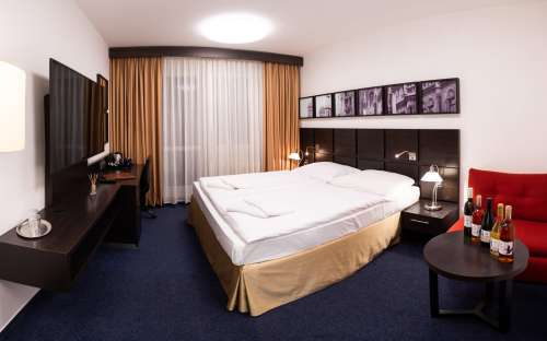 Double superior room with one bed