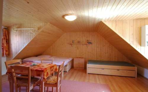 Podkrovní pokoj č.2