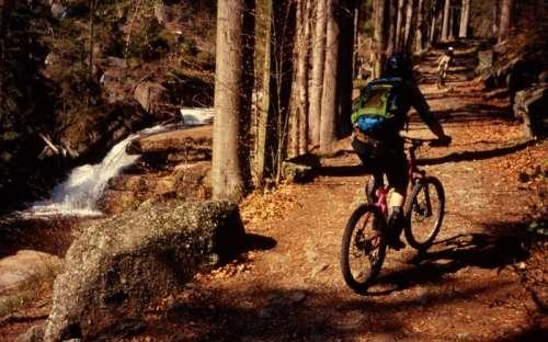 Bergwege für Radfahrer im Isergebirge
