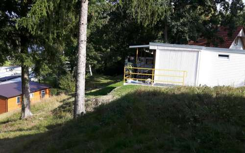 Bungalovy a mobilheimy v kempu na Hracholuskách