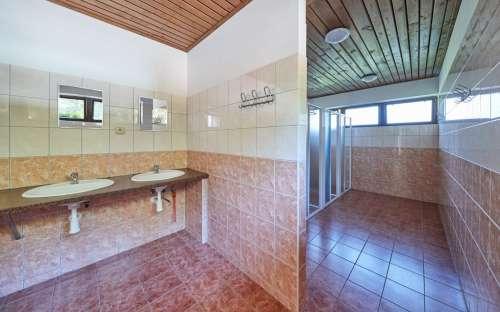CampBučnice-衛生施設、トイレ