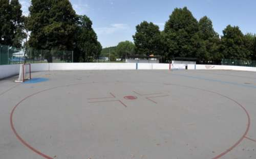 Kemp Formanka - Hockey, Spielplatz