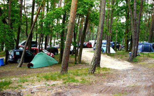 Kemp Jachta Holany - stanování