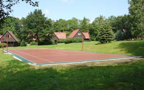 camping and cottages Jizerky - tennis court