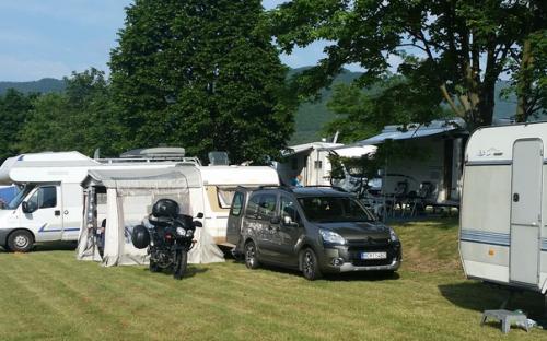 Camping Nitrianske Rudno - karavany, stany
