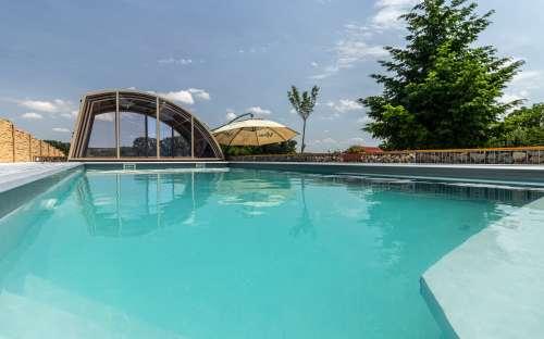 キャンプサンマルコ-プールでの水泳