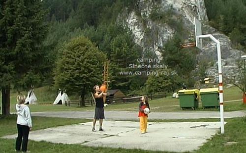 Kemp Slnečné skaly - basketbal