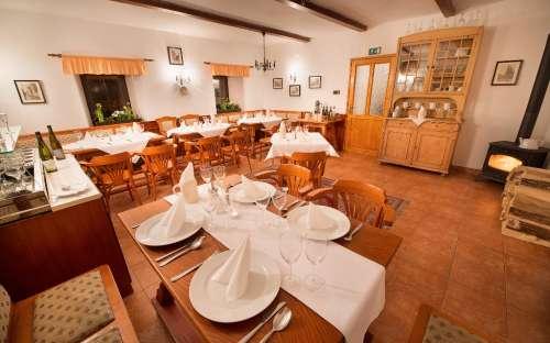 leir og pensjon u Mauritzů - restaurant