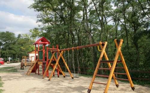 Autocamping Výr - dětské hřiště