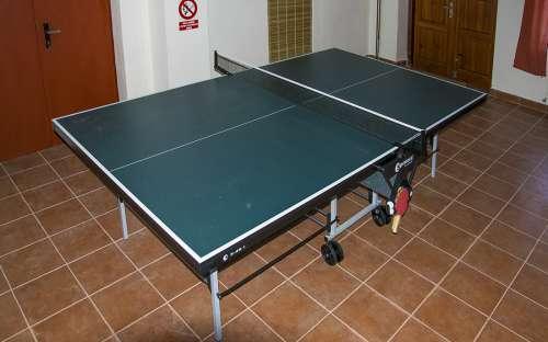 Pinpongový stůl ve společenské místnosti