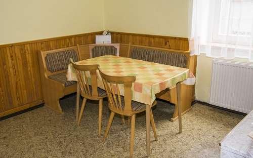 Jídelní stůl dvoulůžkový apartmán