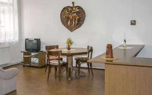 Klubovny a společenské místnosti s televizí