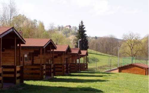 Camping und Schwimmbad Pecka - Hütten