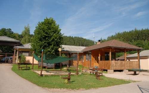 Camping i basen Pecka - plac zabaw