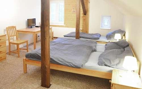 Chambre 4 - Chambre triple avec lit supplémentaire et salle de bain privée