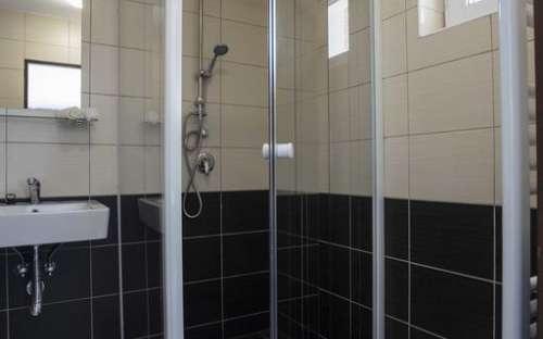 Sprchový kout v každém pokoji