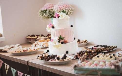 Hochzeitstorte und Desserts im Gästehaus
