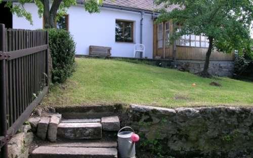 Pohled ze spodní zahrady