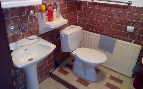 Pension Sobotin - badkamer in de buurt van een klein appartement