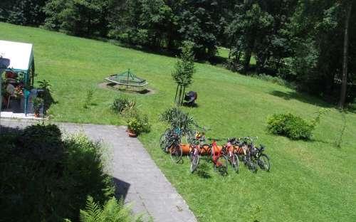 Rozlehlá zahrada v penzionu