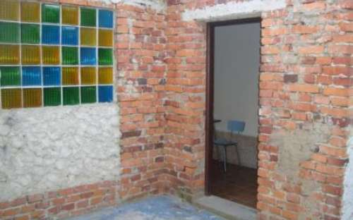 Vchod do sprch (některé část objektu jsou ještě před rekonstrukcí)