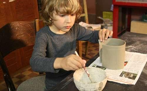 Výroba keramických hrnků
