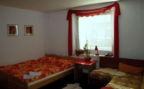 Chambre double n ° 1 avec possibilité de lits supplémentaires 2