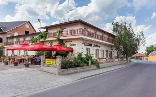 Pension and restaurant Retro Vrbovec, southern Moravia wine bar