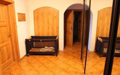 apartment - cot
