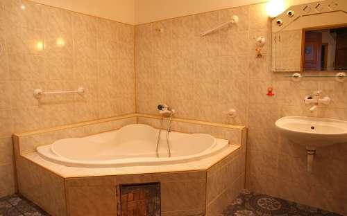 apartment - corner bath