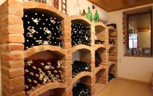 Vinárna Retro Vrbovec