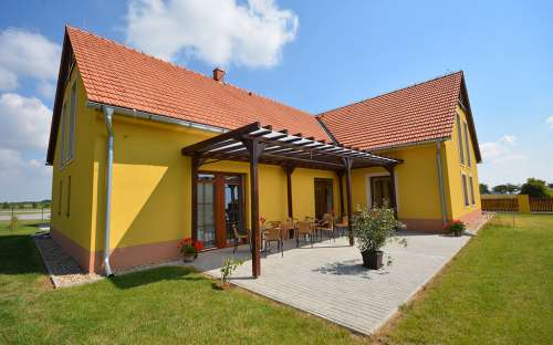 summer terrace pension Sarton