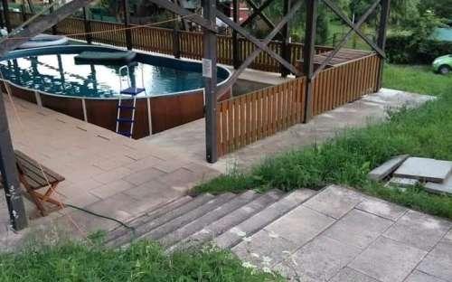 Overdekt zwembad in de tuin