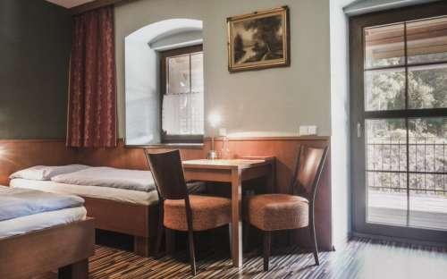 Bezbariérový superior s manželskou postelí a terasou