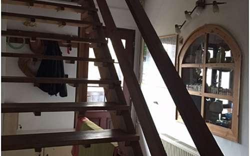Schodiště do 1.patra, kde je apartmán č.2., č. 3, č. 4