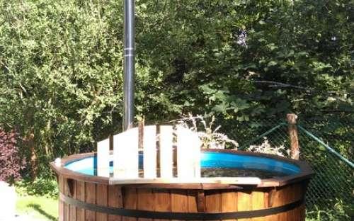 Vyhřívaný bazének pro celoroční rekreaci až 8 osob