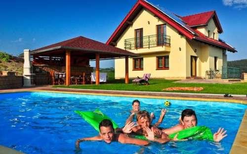 Luxus-Gästehaus mit Pool