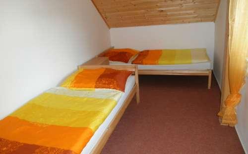 pokoj v podkroví č.2