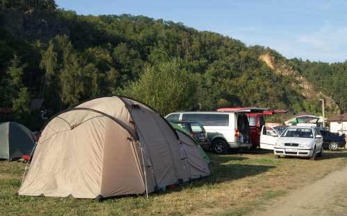 Kem a tábořiště U jezu - Račice