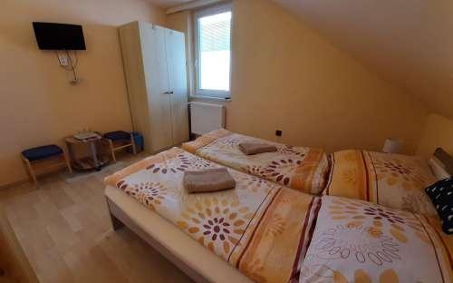 2 camera da letto in una famiglia a parte.