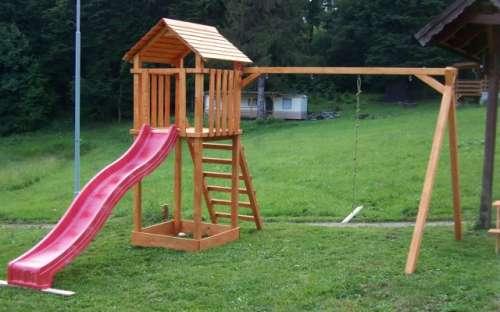 Kemp a středisko Královec - dětské hřiště