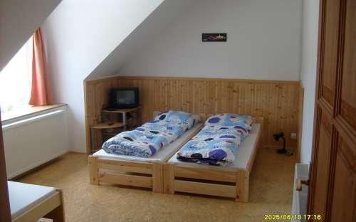 pokoj v apartmánu