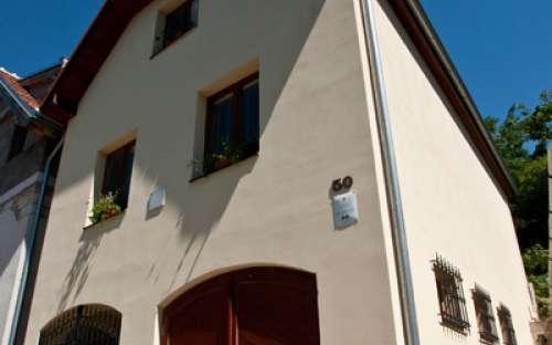 Zakwaterowanie z piwnicą na wino w Południowych Morawach
