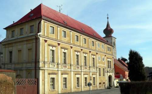 Středisko Zámek Trhanov - objekt