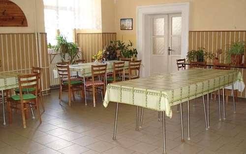 Středisko Zámek Trhanov - stravování