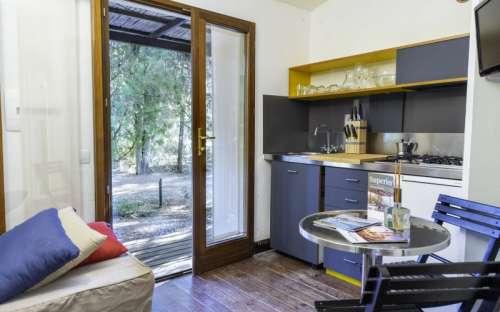 Kemp Rocchette - bungalovy - kuchyně