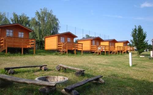 Kemp Výr jižní Morava - vybavené chatky